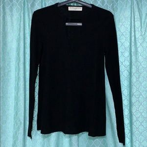 Project Social T - Long Sleeve Keyhole Top